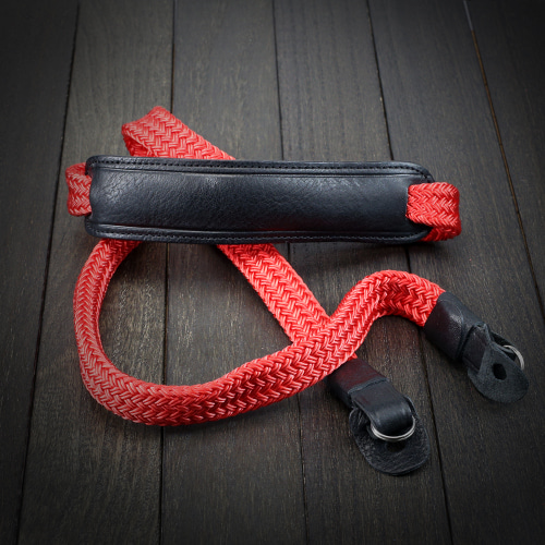 [루이지] Silky Neck Strap (with Pad) Red&Black